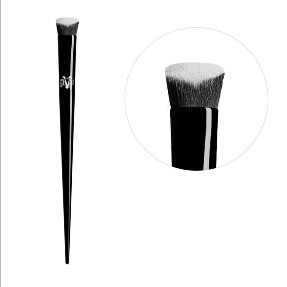 Kat Von D Concealer Brush